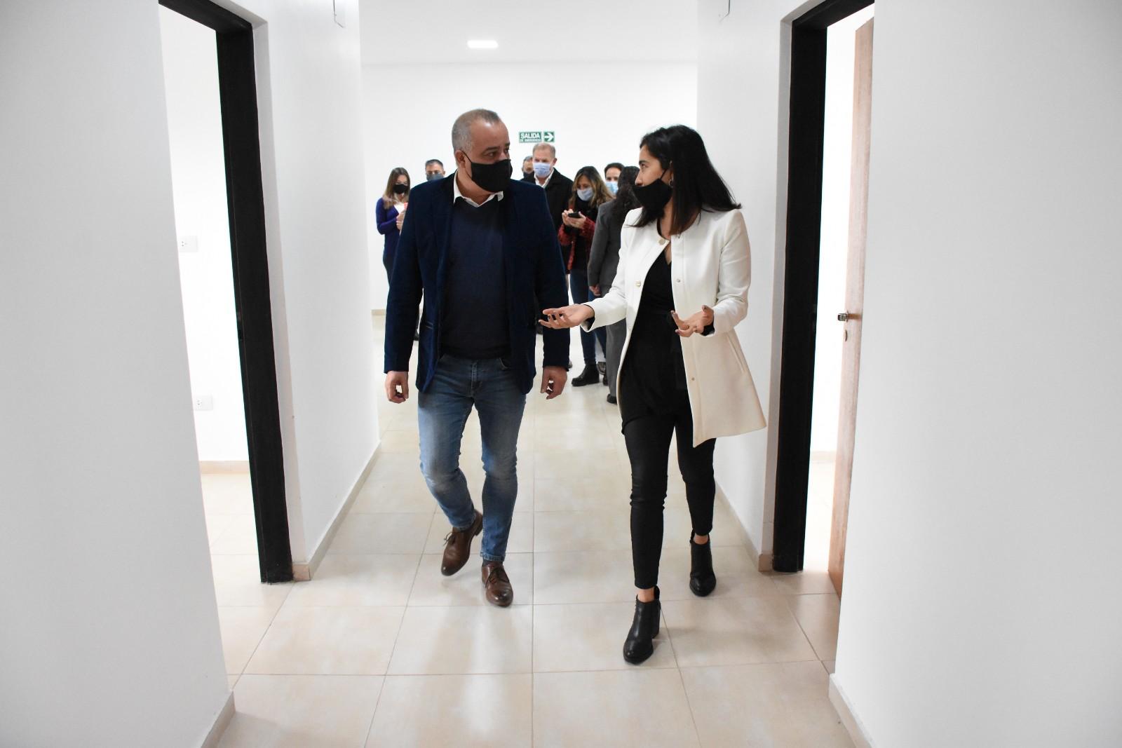 Noguera visitó el Centro Médico de Bienestar y Salud